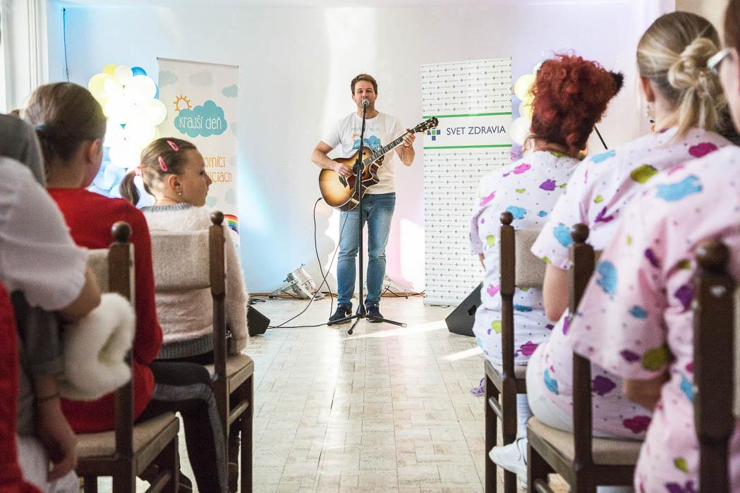 Dobrovoľnícky projekt Krajší deň v Nemocnici Svet zdravia Partizánske