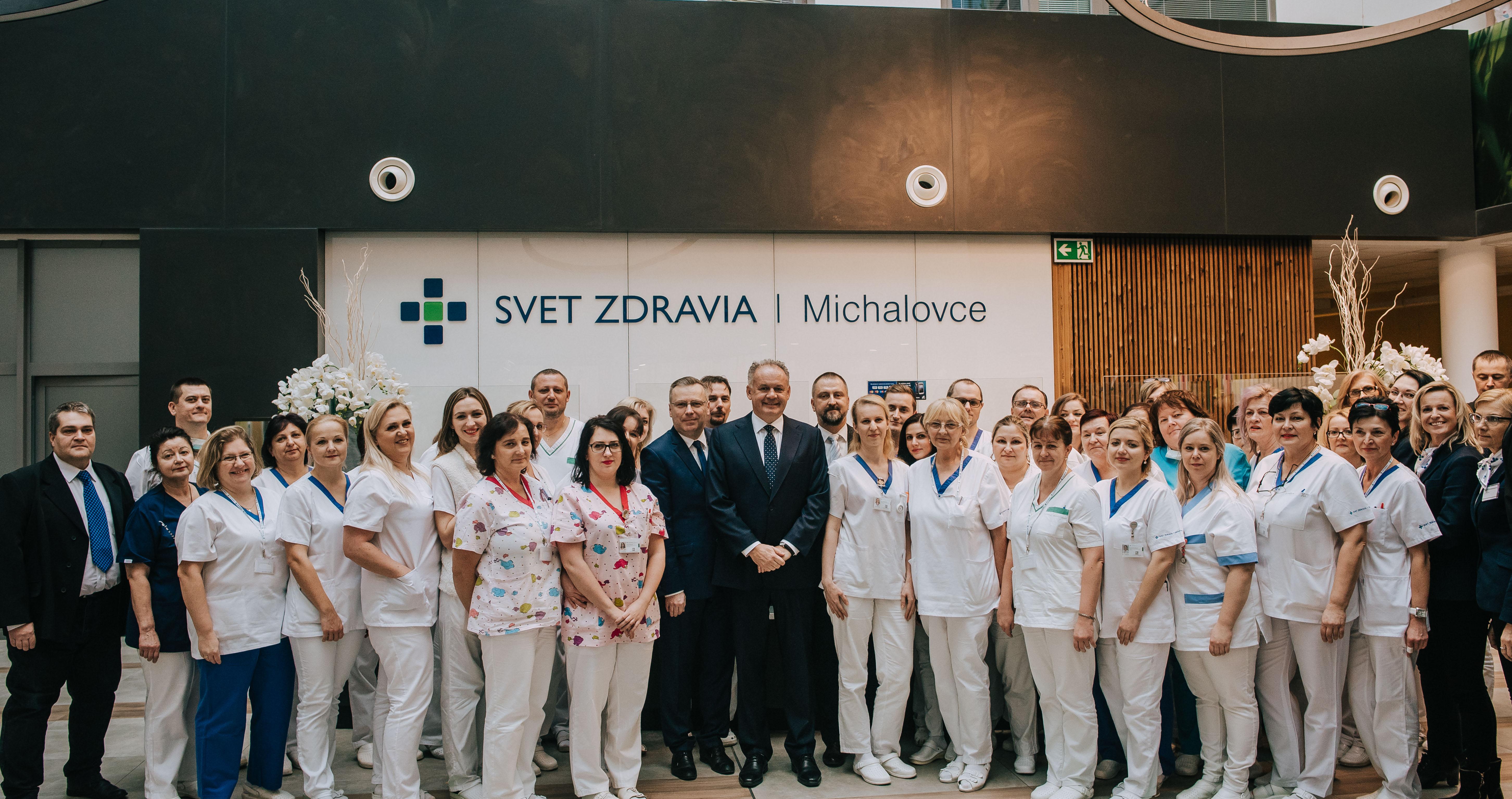 Prezident Andrej Kiska navštívil michalovskú nemocnicu