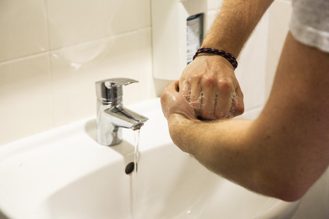 korona virus hygiena ruk dezinfekcia procare