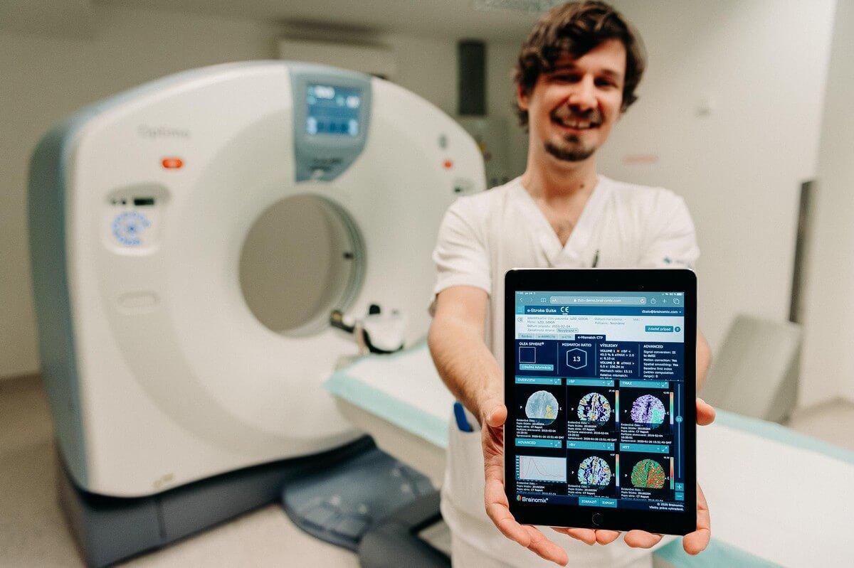 Sken mozgu po mozgocej mrtvici e-stroke